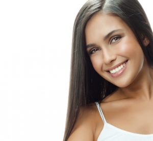 Your Friendswood dentist offers porcelain veneers for a new smile.